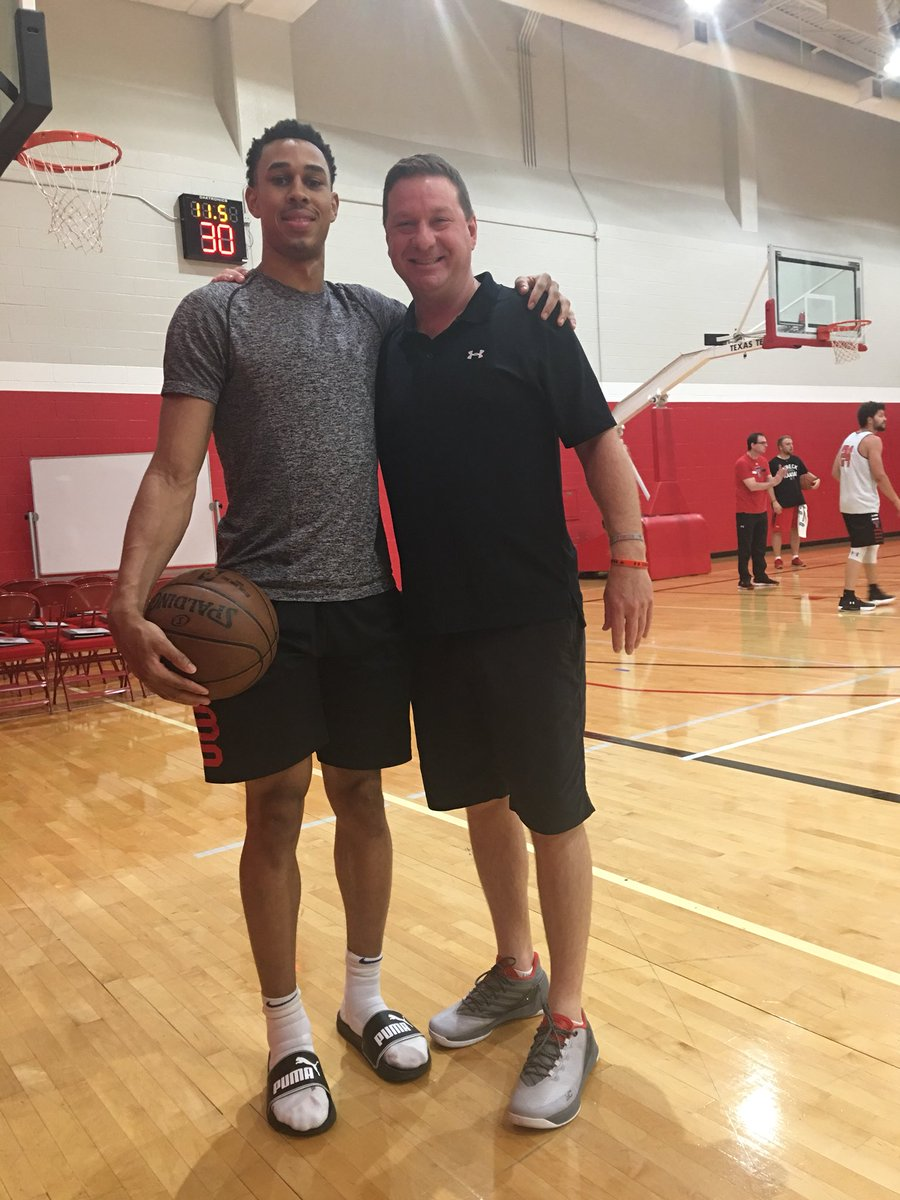 My guy @zhaire_smith back in the 806 but still won't buy my lunch. #4:1