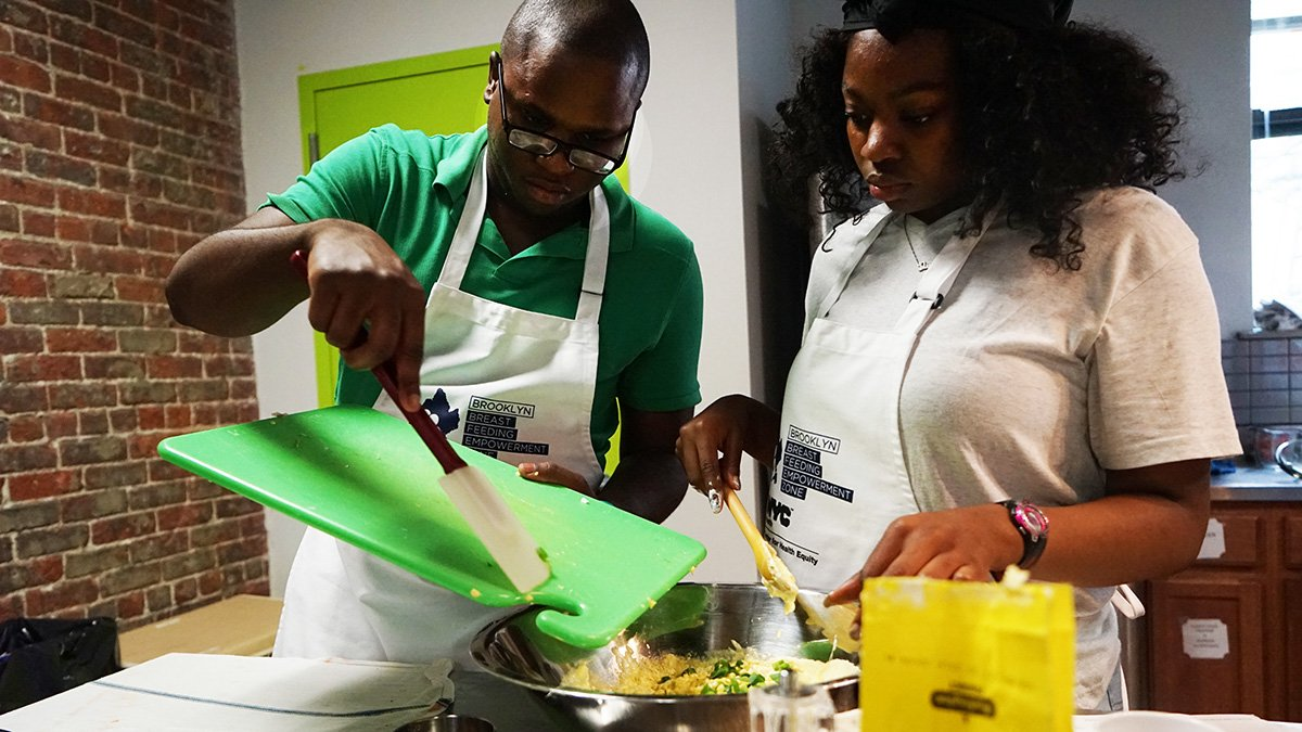 Brooklyn dads! Looking for some tips to make you a master chef? 👨🍳 Come to our free Brooklyn Daddy Iron Chef class this Saturday (7/28) in Brownsville. Register: https://t.co/HUE9Bo10AL