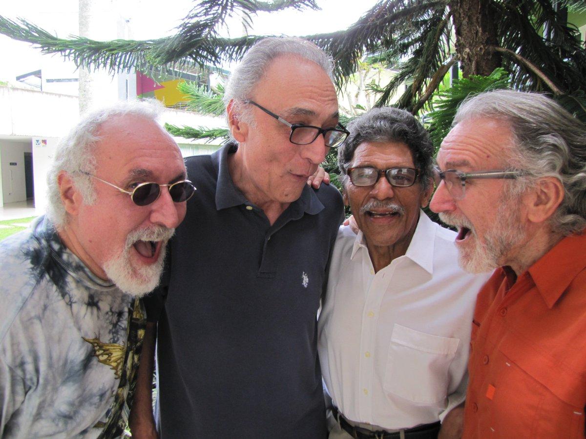 """4 Viejos asociación venezolana de conciertos в twitter: """"el fin de"""
