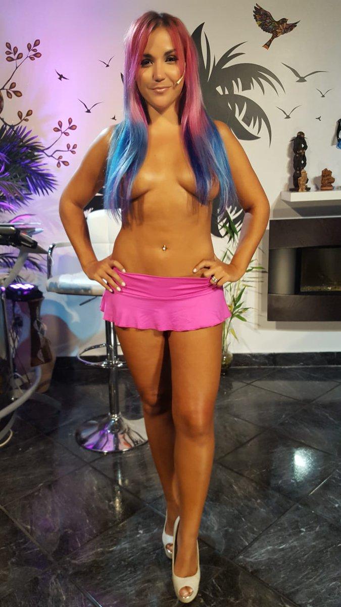 Jenny Miami Tv Topless hot!!!!!!!!!