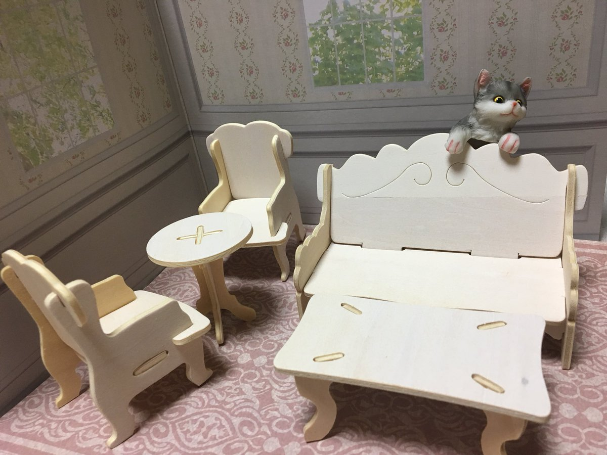 test ツイッターメディア - #キャンドゥ #ウッドクラフト 作ったよ!てか組み立てるだけで簡単だった。家具は白く塗ってミニクッションとか作ってソファに乗せたりしたら可愛くなりそう!写真のソファに登ってる猫ちゃんもキャンドゥで買ったんだよ。置物シリーズで以前買ったの。 また完成したら写真upしますね! https://t.co/EYF8njBT1d