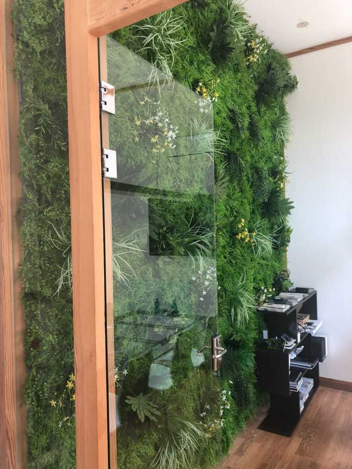 81b7bfef76cb #L002 #artificialgreenwall panels buyer's show in Barcelona~ Welcome to  request a catalog and have a look of our latest green wall designs~ ...