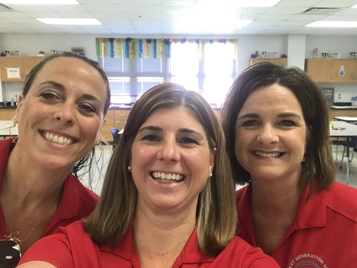 Ready to facilitate at the first Summer Science Symposium! @MarionCountyK12 @wkmcateer4 @CRenfroe4EDU @Grantham_Greats #SSEF #FASS @kellygrillopic.twitter.com/vdQk0Vdrl5 – at Arnold High School