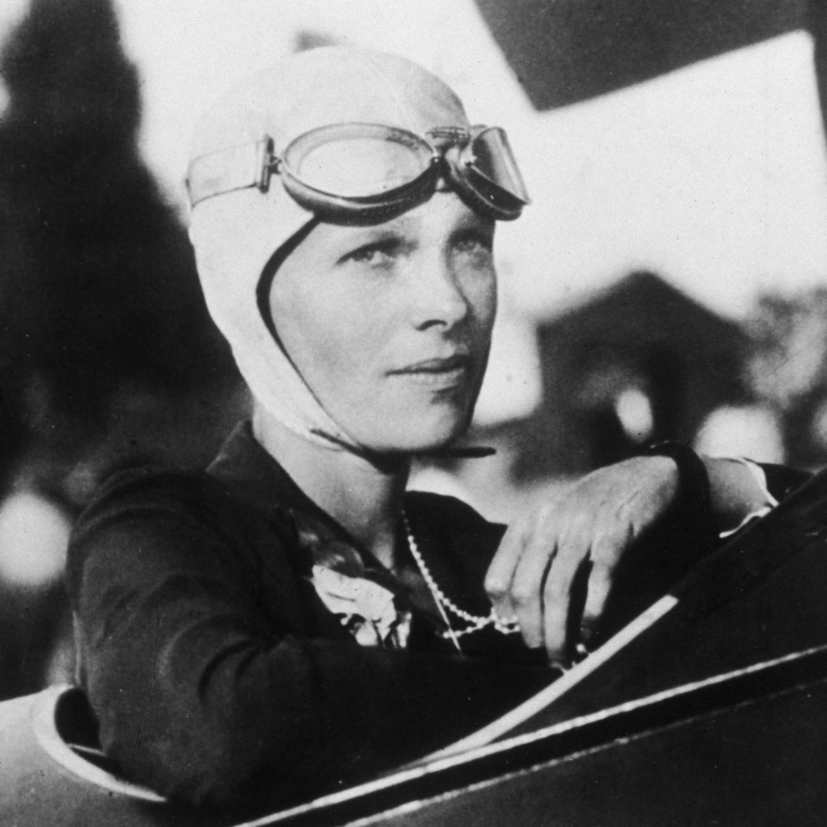 Happy Birthday to the legendary #AmeliaEarhart. She was the first woman to fly solo across the #AtlanticOcean and the first person to fly from #Hawaii to #California. Amelia was also the first woman to receive the U.S. military's Distinguished Flying Cross.  #ameliaearhartday