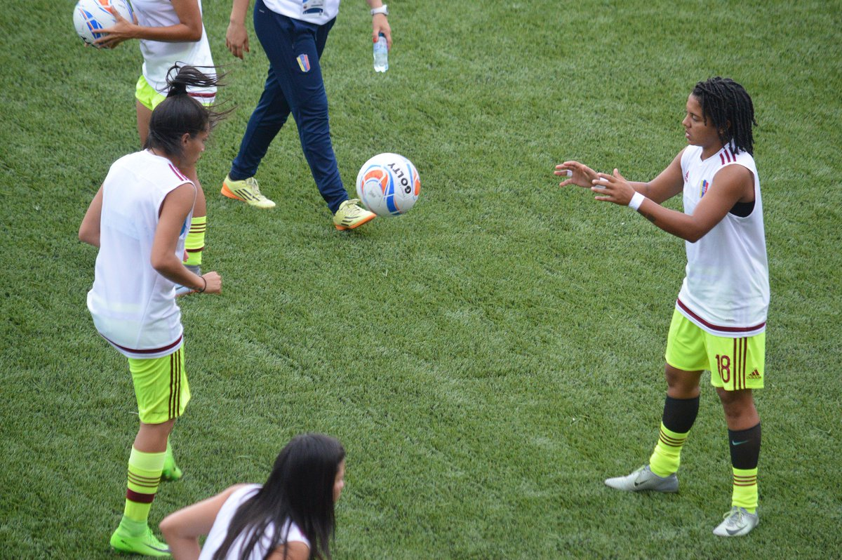 ¡Las artilleras! 🇻🇪  Con dos goles cada una, Oriana Altuve (@ori_altuve) e Ysaura Viso (@ysauraviso18) son, actualmente, las goleadoras de Venezuela en estos Juegos Centroamericanos y del Caribe.  #VamosGuerreras
