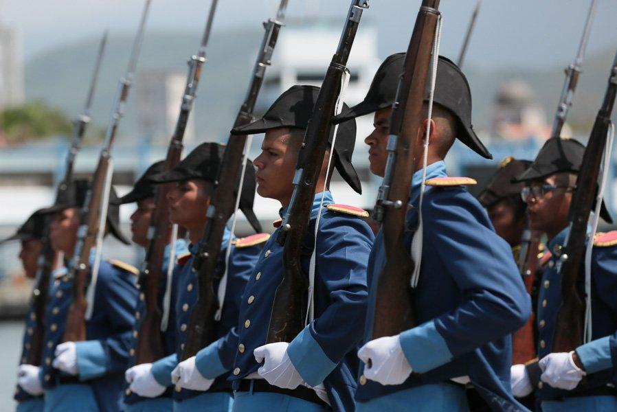 Armada Bolivariana - Página 4 Di50-r2XsAAI_NX