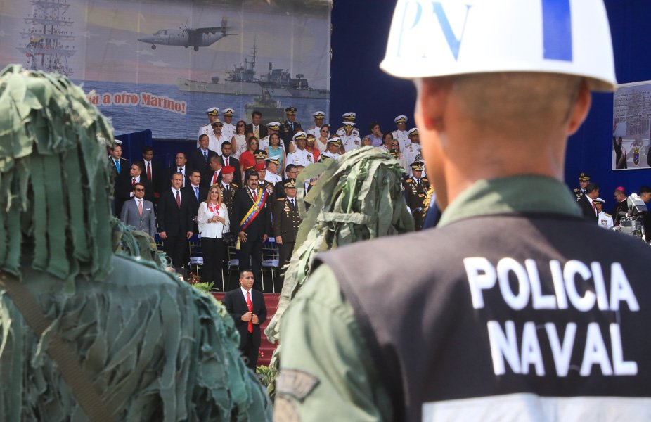 Военно-морской парад в Венесуэле Венесуэлы, оборону, годовщины, независимость, дружественными, Маракайбо, странами, никогда, президент, Мадуро, парад, чтобы, заявил, военноморской, которую, Венесуэльский, подчеркнул, силами, иностранными, какимилибо