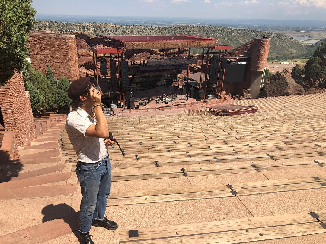 havin a gander #redrocks #tour5 https://t.co/Q4sJLqFhKU