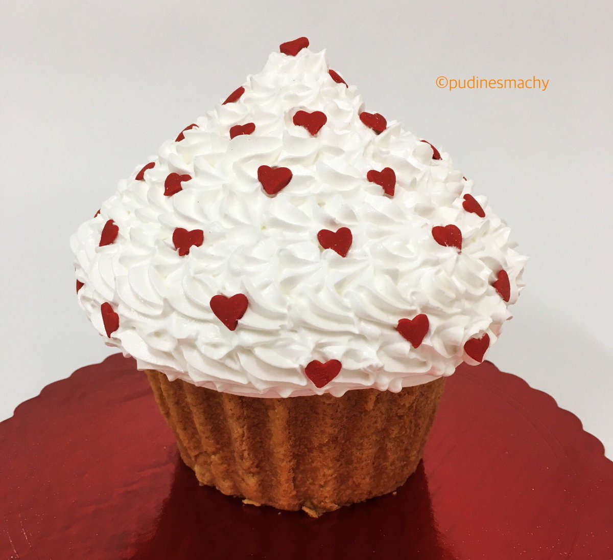 Pudines Machy On Twitter Cupcake Gigante