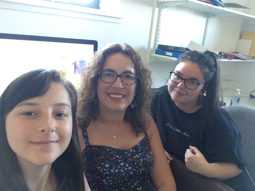 @UoDPsychology would like to welcome our two S6 students  on placement through the #Nuffieldsummer scheme: Emma and Yenesei are working with @alissamelinger helping to develop picture database and norms for a #dialectsindundee project. https://t.co/YQIlhdm8oK