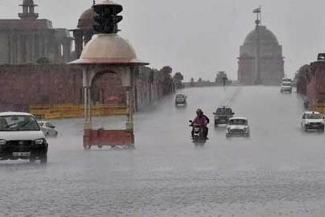 #Delhi #Rain, #WeatherAlert today: Heavy #rainfall lashes #NCR causing #traffic delays https://t.co/q0Zg8gMuS1