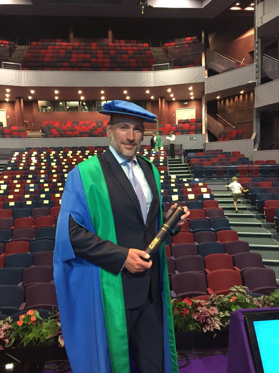 Privileged to be awarded an honorary fellowship by my hometown university @UniNorthants back in Northampton. A very proud moment. Many congratulations to all the students graduating here today
