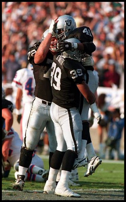 Happy birthday to former TE Kevin Smith, July 25, 1969.
