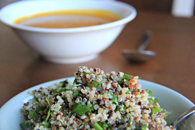 Cold outside?  Comfort Butternut Squash Quinoa Soup with Crunch https://t.co/FaFU4nZmmY  #foodie #recipe https://t.co/kR694zPSuo