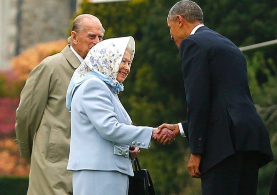 Iconic photos of The Queen with American Presidents #TrumpVisitUK #TrumpProtest Photo