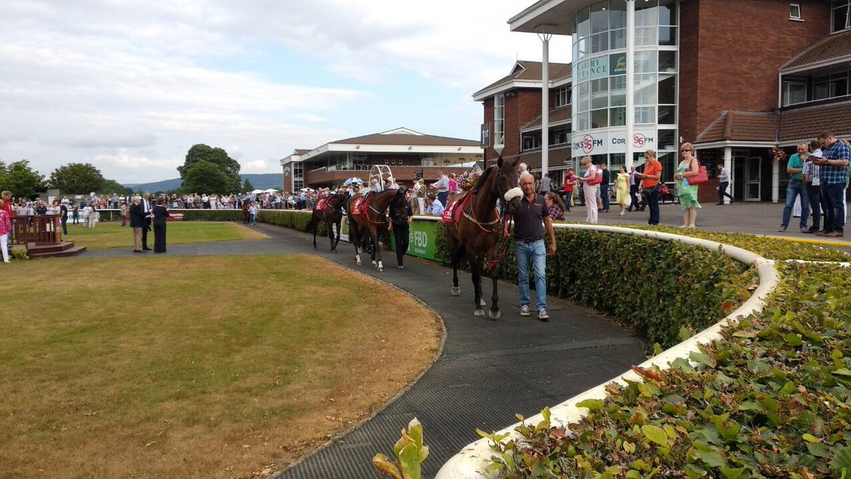 test Twitter Media - Cork Rocks Evening, 7 National Hunt races aswell as the battle of the GAA clubs kicking off very shortly. Music from Little Hours, Lorraine & The Conquerers, Handipak & Deuces Wild #ComeRacing https://t.co/HPoDZqIcVi
