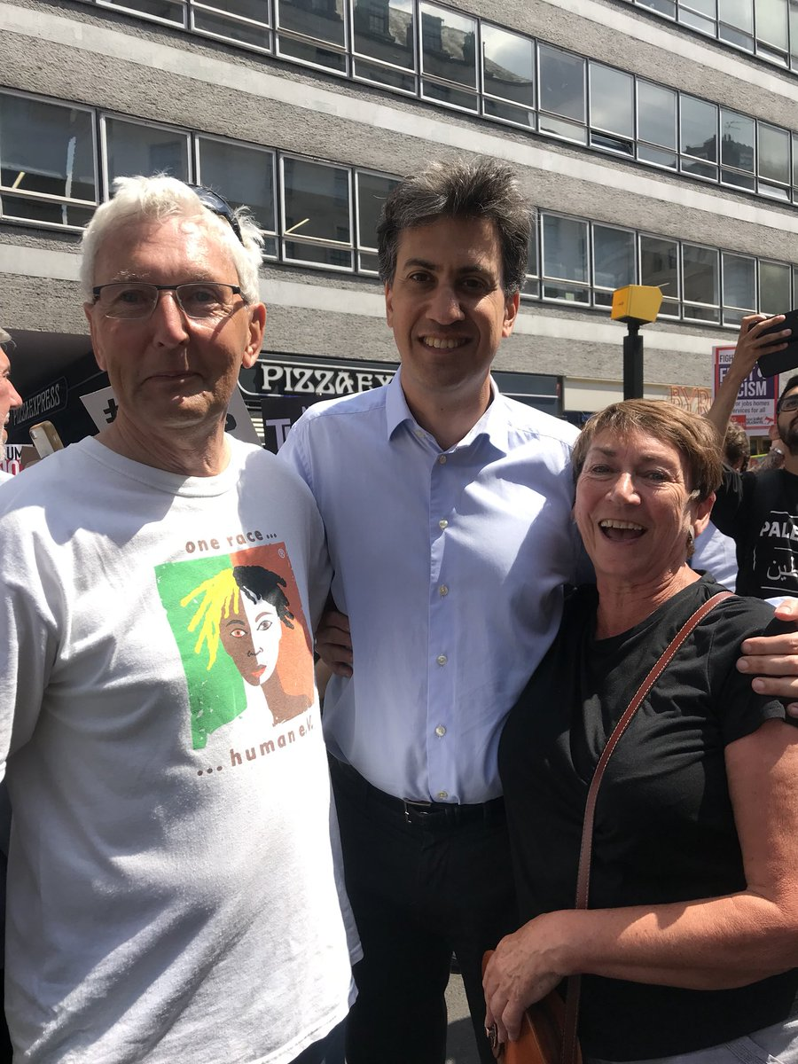 Lovely to meet a couple of my constituents from Barnburgh on the #TrumpProtest earlier today.