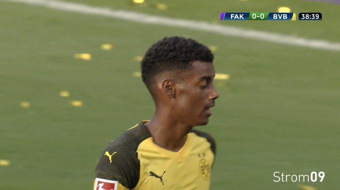 ⚽️ TOOORRR für den BVB! @alex_isak trifft in der 39. Minute zum 1:0 für Schwarzgelb! #FKABVB 0-1 Foto