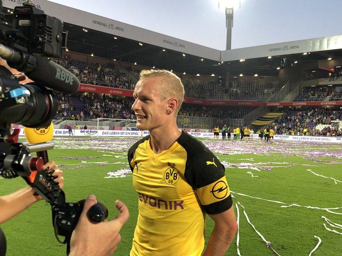 🗯 @Sebastianrode20: Wir arbeiten schon sehr gut zusammen. Ich bin zuversichtlich, dass wir eine sehr gute Saison spielen werden. #FKABVB Foto