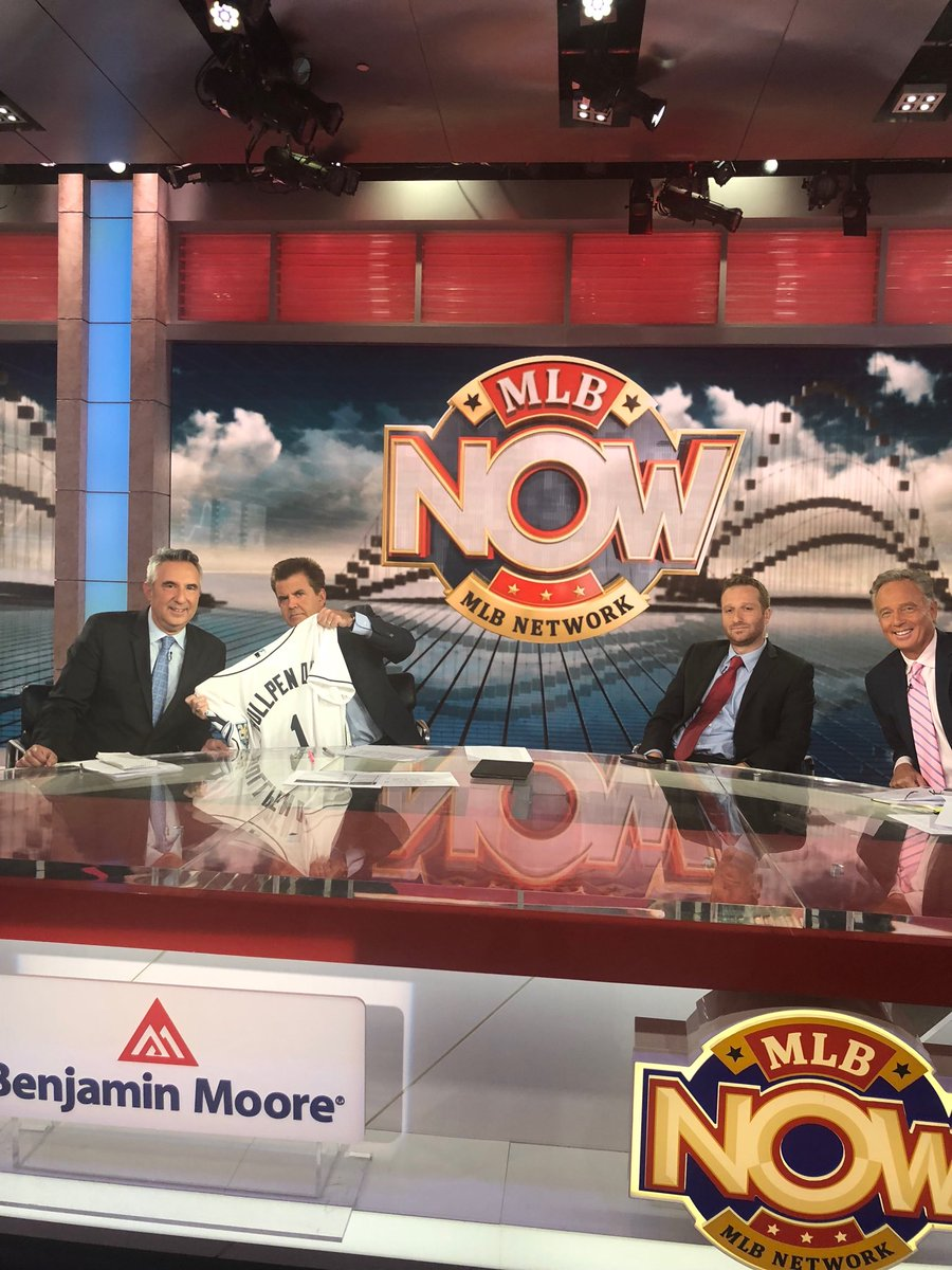 #MLBNow comin up Odowd, bk and ⁦special guest ⁦@EvanRobertsWFAN⁩ yadi, Chase, hit or error, etc.