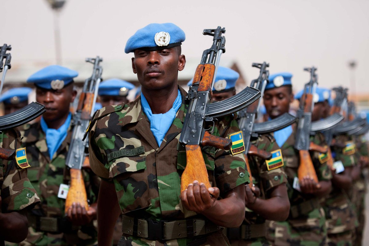 united nations field officer - HD1200×800