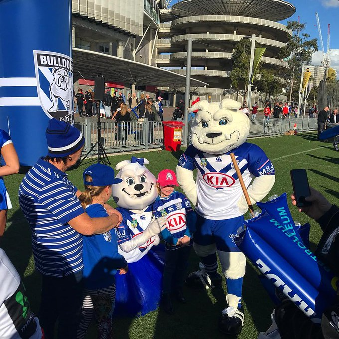 THE #schoolholiday fun starts early today at #NRLBulldogsSouths. The @NRL_Bulldogs Family Fun Zone opens 1pm. Jumping castles, VR booths - everything a kid needs! Get the whole squad involved with up to 4 kids in free on a single Adult ticket. Info + tix: Photo