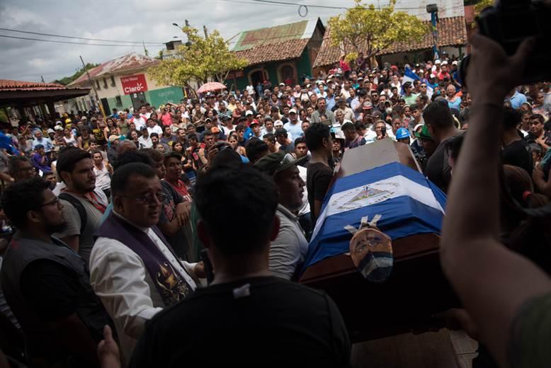 Detenido en Nicaragua dirigente opositor acusado de ataque que dejó 5 muertos. https://t.co/3Iefpns8R4 #SOSNicaragua