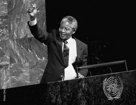 Une exposition photo célébrant le centenaire de Nelson Mandela & illustrant some combat pour la paix, la justice & les droits de l'homme ouvre ses portes ce mardi au Siège de l'ONU à . Inscri#NewYorkvez-vous ici : https://t.co/MAMmz2SIQs