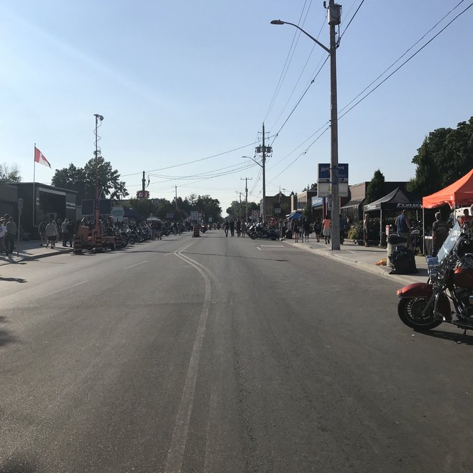 It's nearing the end of a very long day & it looks like #F13PD is starting to wind down. Crowds starting to clear from #PortDover streets as people head home. Thanks for staying safe out there and having fun. Thanks to our paramedics for their hard work keeping you all safe. Photo