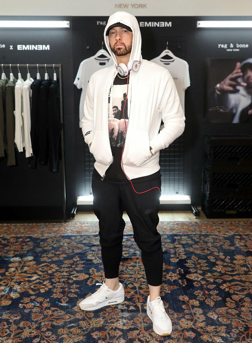 646a78447d9644  SoleWatch   Eminem rocking Nike Air Max 1 Jewels in London.pic.twitter .com pmufk9AtwI