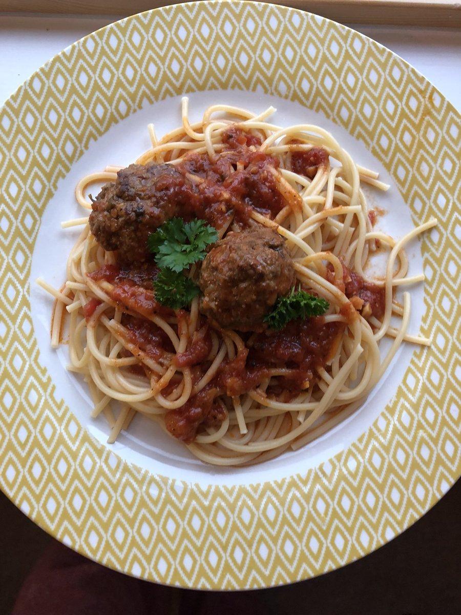 Happiness in a meatball,recipe on IG nazyafahad_ #spaghetti #meatball #Italian #homemade https://t.co/36TV2gAazC