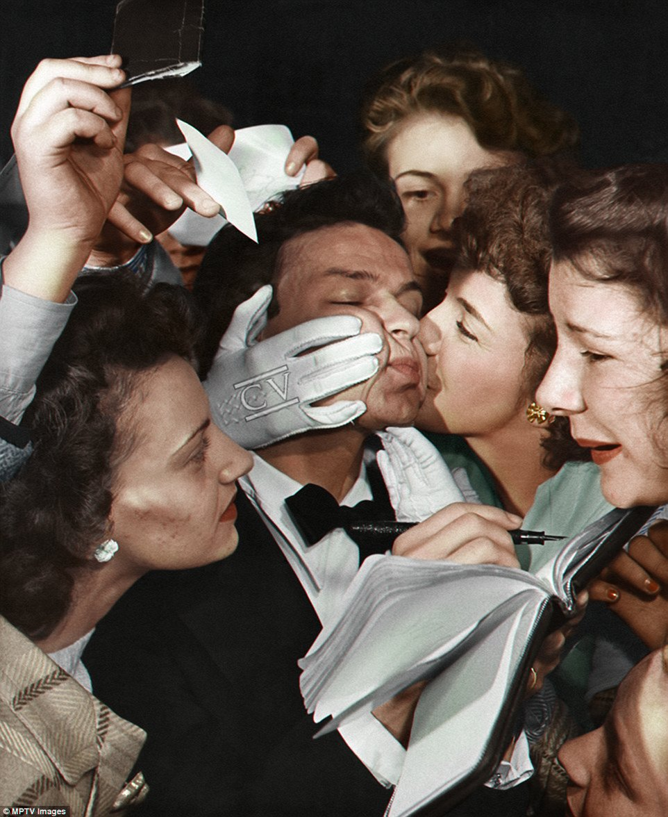 """Colorizedvintage on Twitter: """"Frank Sinatra being mauled by some  well-intended young ladies. 😉 [MPTV Images]@franksinatra #oldhollywood  #mptvimages #colorized #vintage… https://t.co/fbP3fUmd2l"""""""