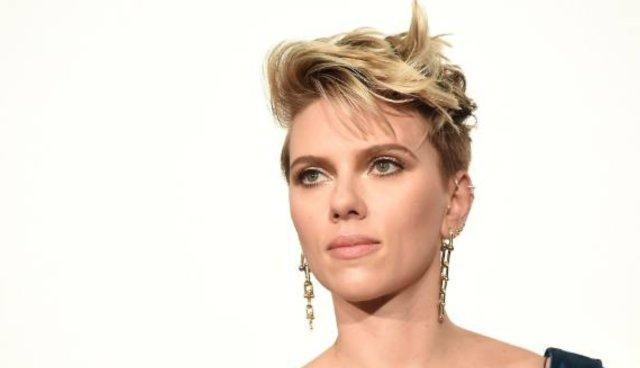 #ScarlettJohansson drops out of trans film following backlash: Foto
