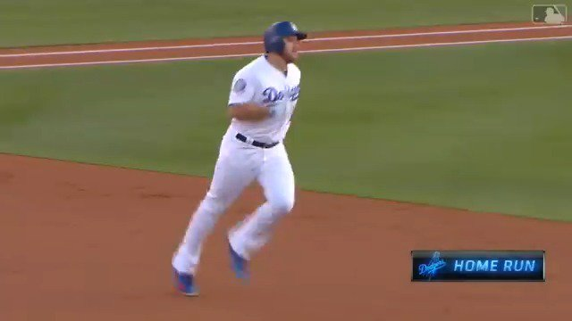 Number 22 from Mad Max Muncy.  #Dodgers High-Flying Homers presented by @emirates: https://t.co/UbZDAFsPu8 https://t.co/ha4pT4AECg