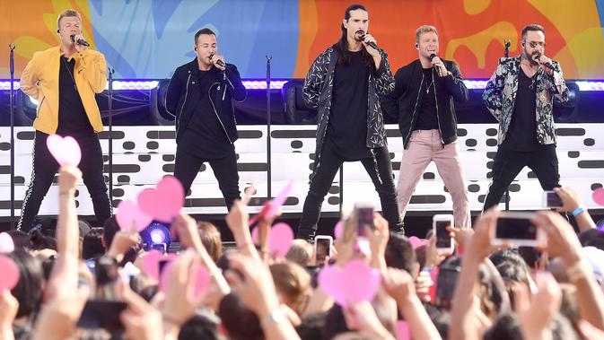 FOTO: Penampilan Backstreet Boys Saat Hibur Penonton di New York. Photo