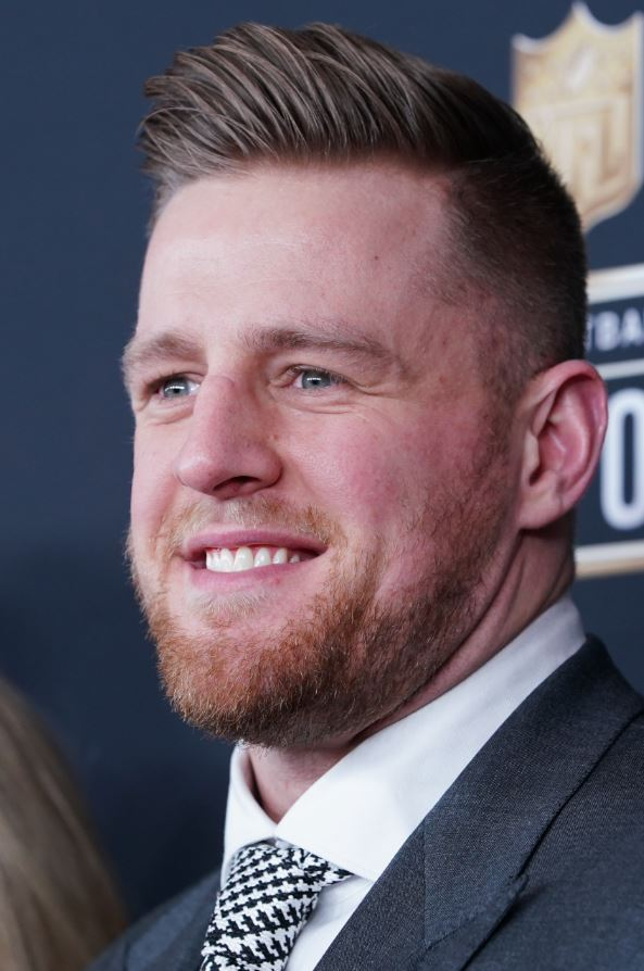 Texans star @JJWatt steps up again for first responders, donates $10K to family of Sun Prairie, WI, #firefighter killed by gas explosion  http:// firehouse.com/21013379  &nbsp;  <br>http://pic.twitter.com/pqF7WWHHqW