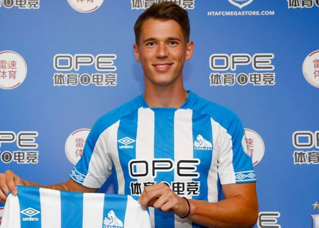 He has all the qualities to be a great success @htafcdotcom boss David Wagner backs Erik Durm to shine ➡️ Foto