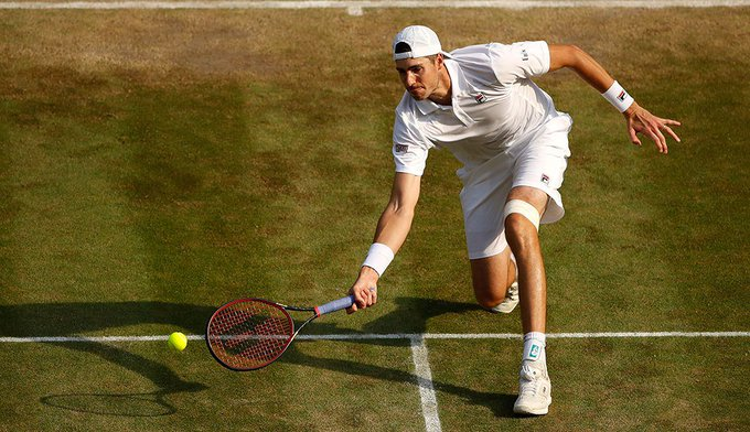 Tennis fans on Twitter lose it over another John Isner epic at Wimbledon Photo