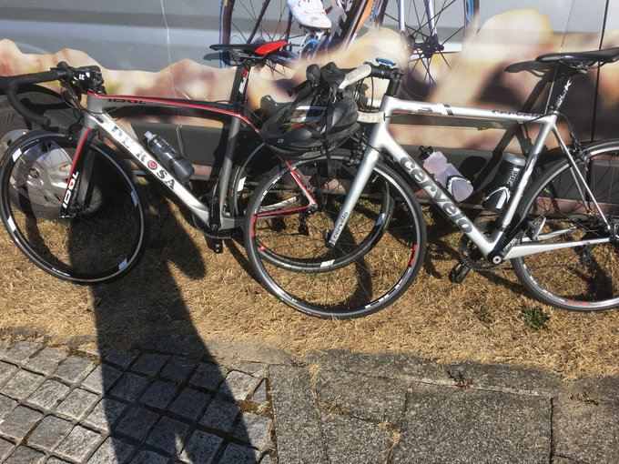 2 silver dream machines and sunshine on the river. Must be Stockton Cycle Sportive! Foto