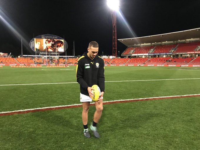 Welcome back, Shai 👍 No late changes for tonight's match. #AFLGiantsTigers #gotiges Photo