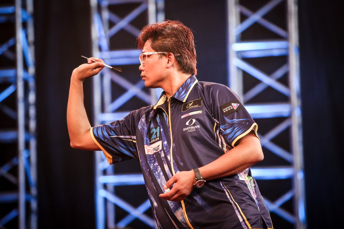 The story of Day One here in Shanghai... Royden Lam stuns Gary Anderson in a last-leg decider. Follow @DartsShanghai for all the action from Finals Day of the @21Casino_ Shanghai Darts Masters! #ShanghaiDarts