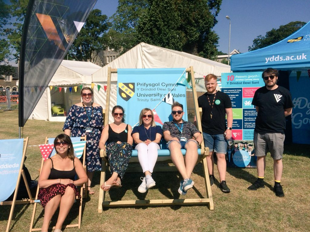 Bore da! Good morning! Join us for fun in the sun at #GŵylCanolDre in Carmarthen. The @AstudioYDDS @CangenDDS @yr_egin @yratom crew are ready to rock @Gwylcanoldre!  #DyddieDa #GoodTimes @UWTSD<br>http://pic.twitter.com/1OJuXyWS0v