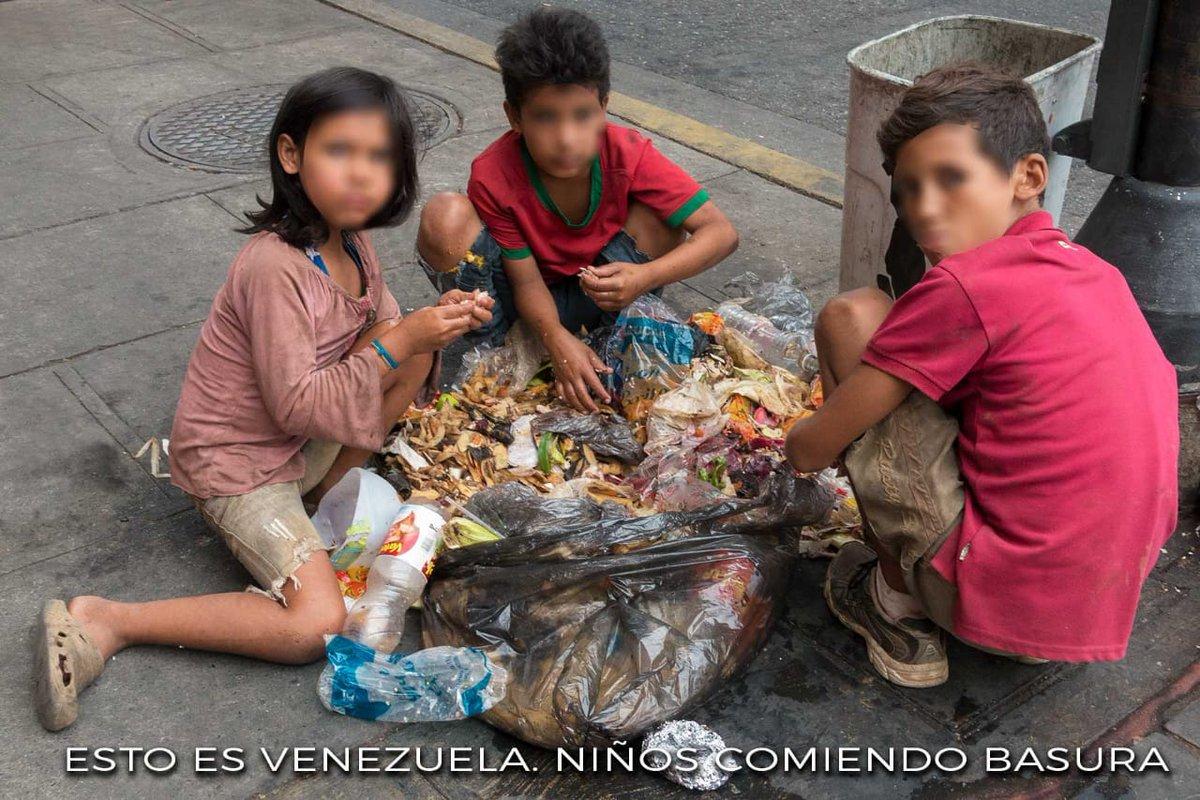 ¿Y quién puede explicarse sin perder la razón en el intento cómo carajo en Venezuela un millón de litros de gasolina, es decir más de una veintena de camiones cisternas con 38 mil litros cada uno, cuesta lo mismo que un café en la barra de una cafetería? Pregunta de @aduran111