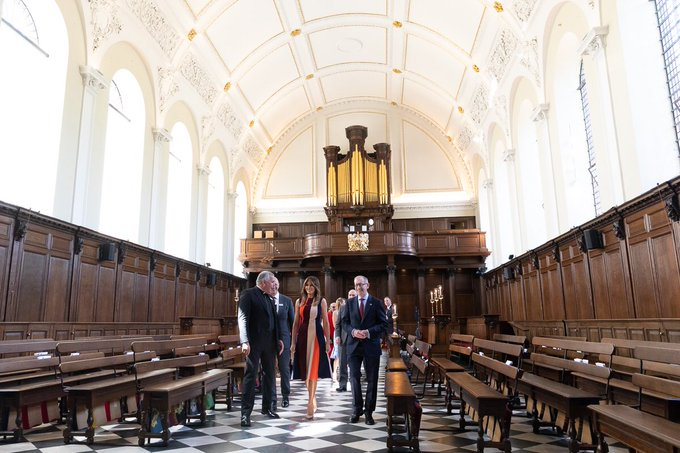 1/2: Thank you Royal Hospital Chelsea for the warm welcome! I enjoyed my tour of the Wren Chapel & Great Hall & mtg your lovely Pensioners. Photo
