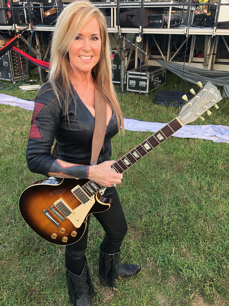 Right before hitting the stage last night in Gettysburg, PA. Next show is Walker, MN at the Moondance Jam Festival on July 19! Visit LitaFordOnline.com for more tour dates!