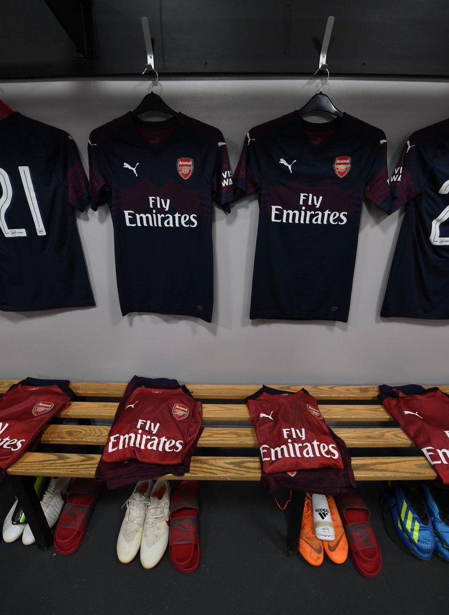 🚨 Our starting XI fo @UnaiEmery_r 's first game in text:  📃 Cech, Bellerin, Sokratis, Mavropanos, Osei-Tutu, Maitland-Niles, Willock, Smith Rowe, Nelson, Aubameyang, Lacazette  Right, who's excited then?  #UnaiBegins😆