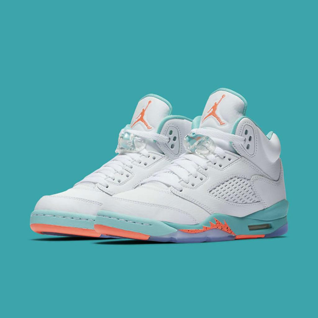 0379a2d8fbc The Air Jordan 5 Retro