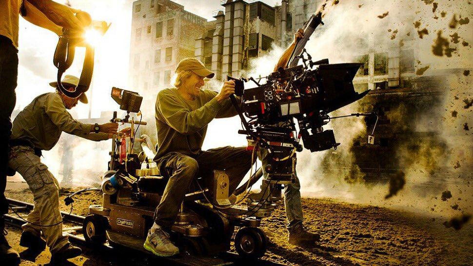 マイケルベイ監督ほど、絵になる監督いないから好き  #トランスフォーマー