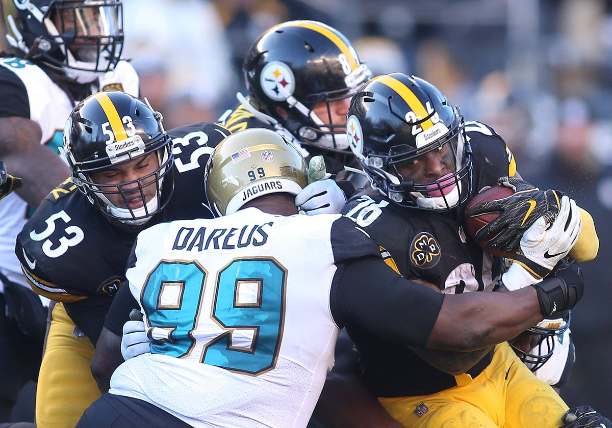 LIFE WITHOUT DAREUS? With this whole incident involving Marcell Dareus, the #Jaguars could be faced with a tough task of replacing their starting nose tackle. Other things include:  More reps for Taven Bryan/Abry Jones? Signing Johnathan Hankins?  |  http:// traffic.megaphone.fm/LKN9359083316. mp3 &nbsp; … <br>http://pic.twitter.com/Rwik9xcxc1