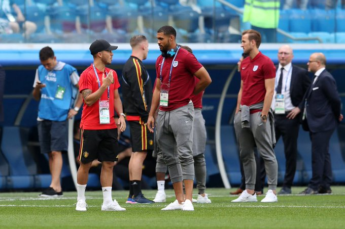 A quick catch up before the game! @hazardeden10 @rubey_lcheek #BELENG Photo